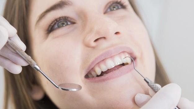Gülüş tasarımı hangi dişlere yapılır?