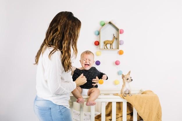 infantil kolik tedavisinde anne ne yapmalı?
